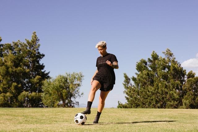 fotbal inot jogging pilates sport sporturi pe care le practica romanii timp liber yoga
